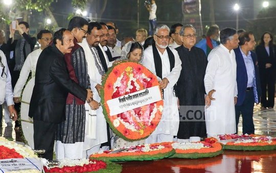 Leader of the Opposition Raushan Ershad commemorates the Language martyrs at the Central Shaheed Minar on Tuesday. Photo: mostafigur rahman