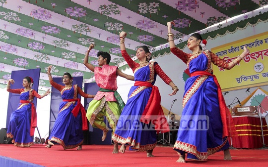 Dancers perform during 'Muktir Utshob' at Dhaka University on Friday. Photo: asif mahmud ove