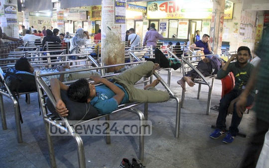 Passengers stranded by the indefinite nationwide transport strike at Dhaka's Mohakhali bus terminal. Photo: abdul mannan