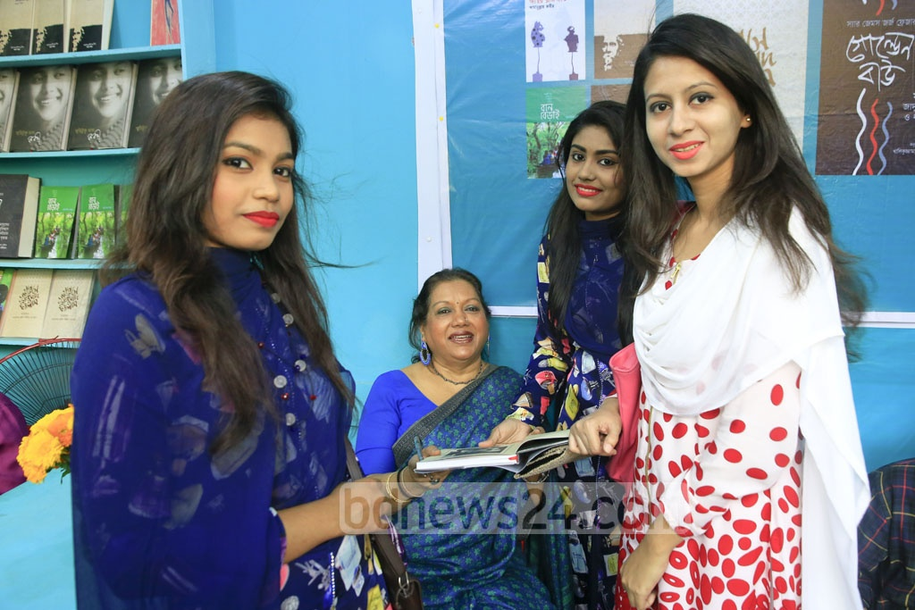 These girls were not born when Kabori was reigning the silver screen, but their enthusiasm about the actress is no less.