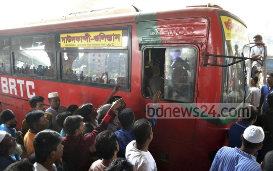 Transport workers block the way of a state-owned BRTC bus during the second day of a nationwide transport strike on Wednesday. Photo: tanvir ahammed