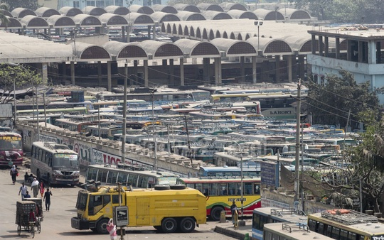 Long-route buses did not venture out of the Gabtoli Bus Terminal due to a nationwide transport strike. Photo: asif mahmud ove