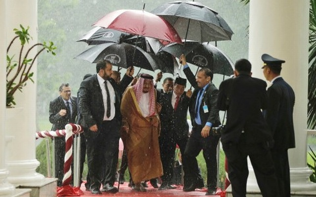 Abe aims to diversify Japan's Saudi ties