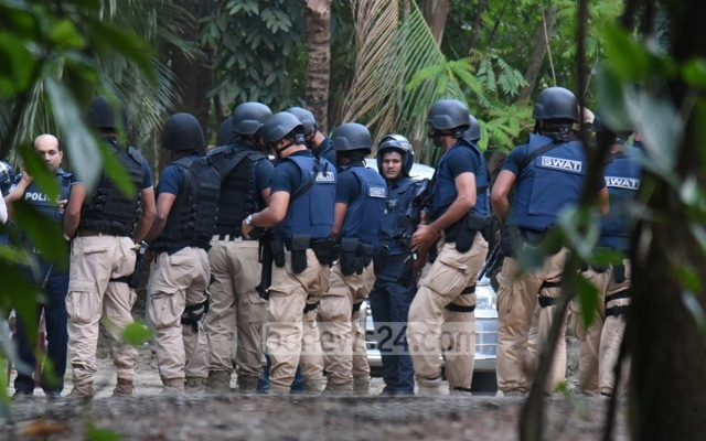 Police raid two 'militant hideouts' in Ctg
