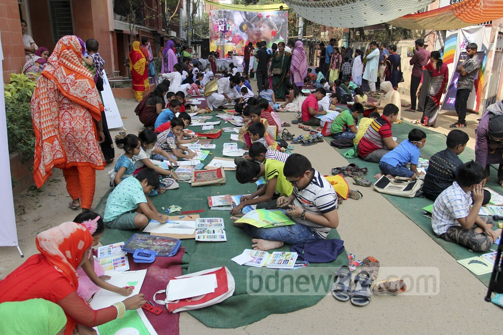 Center for Advanced Nurturing and Visual Art Studies (CANVAS) and Nation Hut Limited organised a children's painting competition in Dhaka's Pallabi on Friday marking Bangabandhu's 97th birth anniversary and National Children Day on Friday. Photo: asif mahmud ove