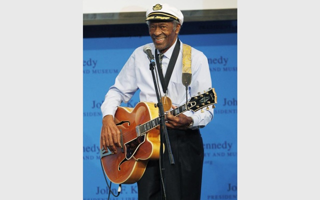 Chuck Berry smiles as he performs after being presented with the 2012 Awards for Song Lyrics of Literary Excellence at the John F. Kennedy Presidential Library and Museum in Boston, Massachusetts February 26, 2012. Reuters