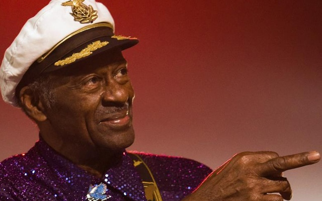 Rock and roll legend Chuck Berry performs during a concert in Burgos, northern Spain, November 25, 2007. Reuters