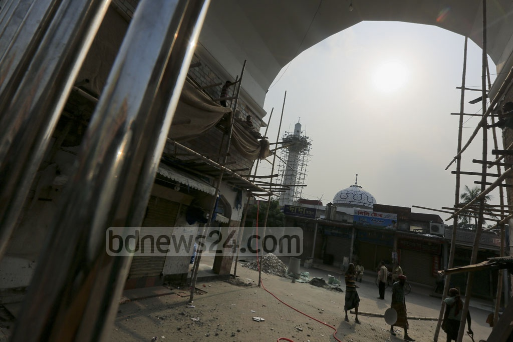 Renovations underway at Dhaka's New Market. Photo: asaduzzaman pramanik