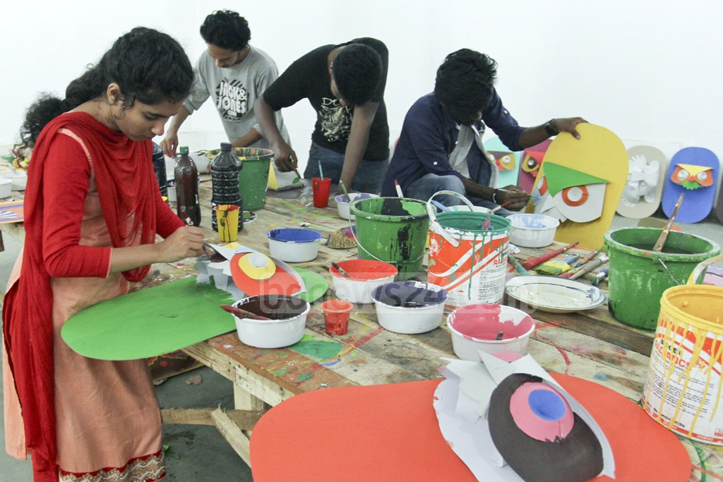 Volunteers at Dhaka University's ​Faculty of Fine Arts ​are ​busy in preparations of Bangla New Year celebrations.