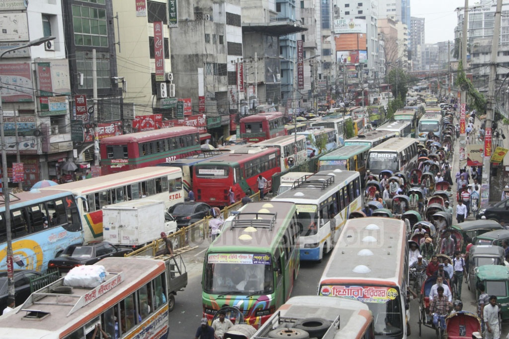 Traffic congestion in Paltan, one of Dhaka's busiest areas, on the first workday of the week. Photo: abdul mannan