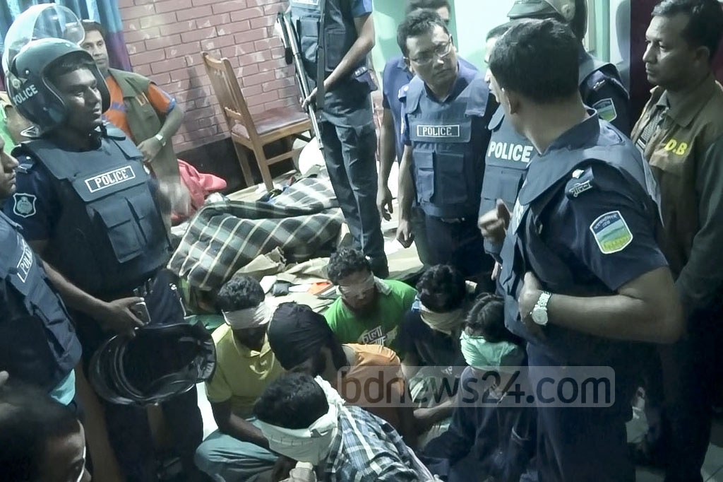 Seven people were detained for their suspected links to militancy during a search operation at Kalibari in Mymensingh on Monday.