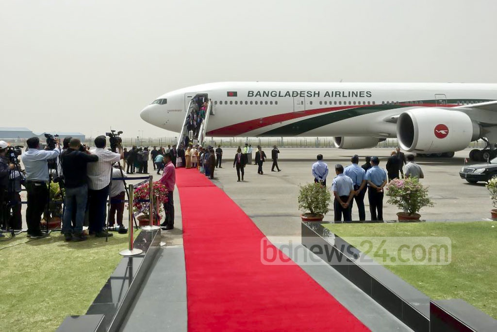 Delhi rolls out the red carpet for Prime Minister Sheikh Hasina who arrived in the Indian capital for a four-day tour on Friday. Photo: Sumon Mahbub