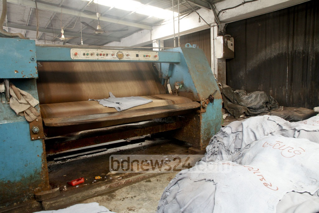 Work at the tanneries in the capital's Hazaribagh has stopped. Gas, power and water connections to the factories were cut off on Saturday.