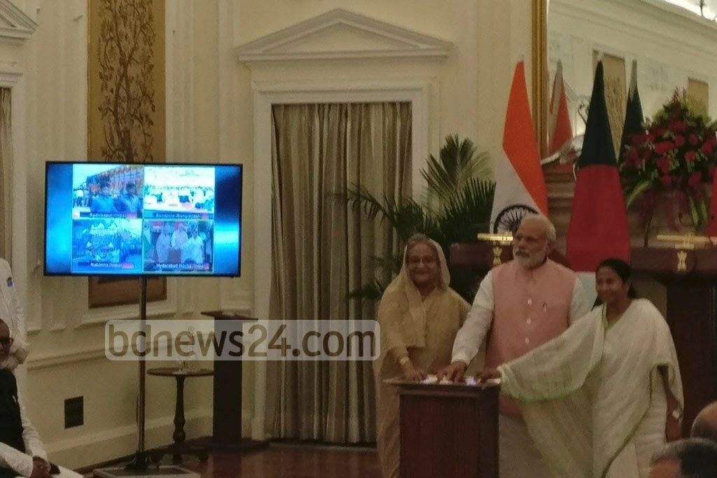 West Bengal Chief Minister Mamata Banerjee was with Prime Minister Sheikh Hasina and Indian premier Narendra Modi at the inauguration of a trial run of Khulna-Kolkata train services ​at a ceremony organised ​at the Hyderabad House in New Delhi on Saturday. Photo: Indian Ministry of External Affairs