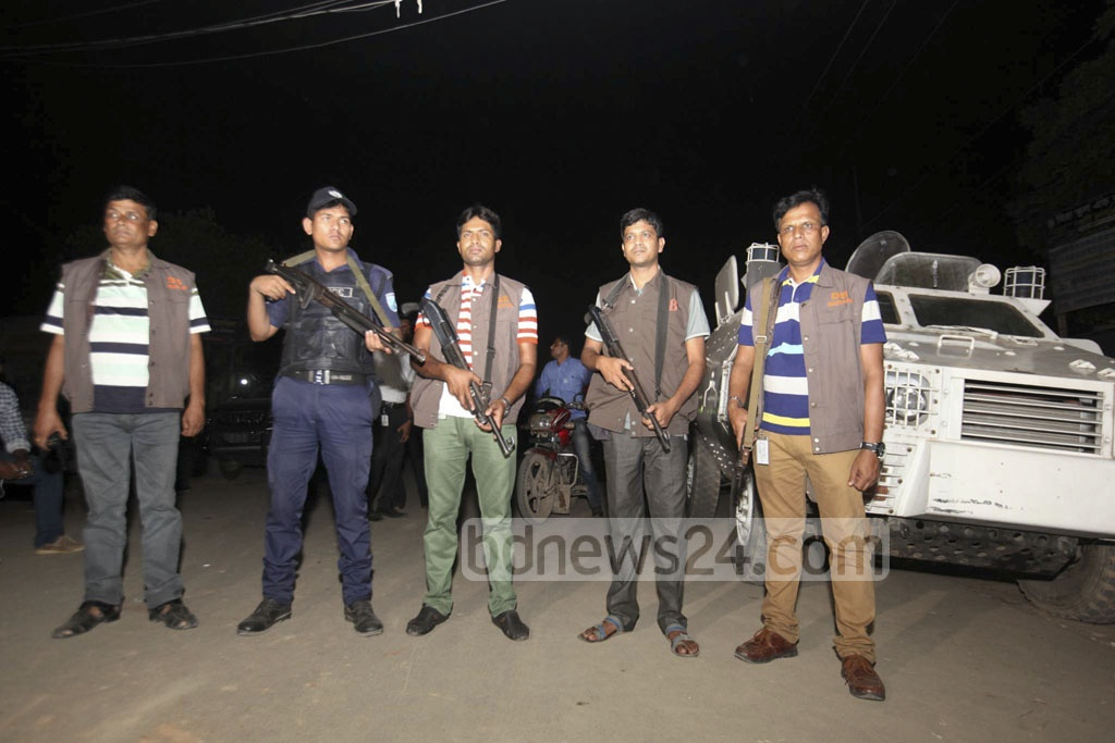 Security was tightened around Kashimpur Central Jail ahead of the execution of militant leader Mufti Hannan and his aide Sharif Shahedul Bipul on Wednesday.