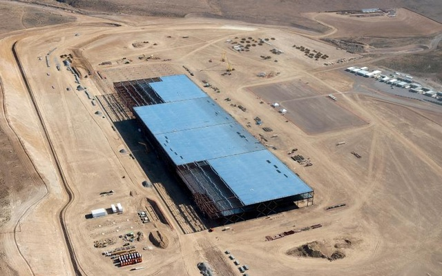 The Tesla Gigafactory is shown under construction outside Reno, Nevada May 9, 2015. Reuters