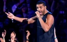 FILE PHOTO: Drake performs ''Hold On, We're Going Home'' during the 2013 MTV Video Music Awards in New York August 25, 2013. Reuters
