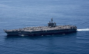 The aircraft carrier USS Carl Vinson (CVN 70) transits the Indian Ocean, Apr 15, 2017. Reuters