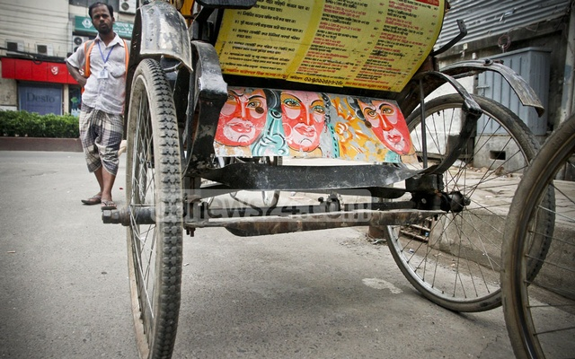 The rise in popularity of digital printing has, however, eaten away at the demand for rickshaw paintings. But some glimpses can still be seen on the streets of the capital.