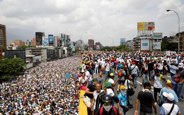 Thousands march in Venezuela against government