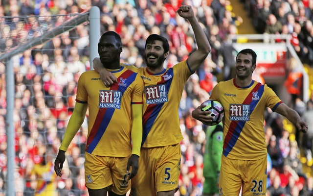 Palace striker Benteke's double beats old club Liverpool