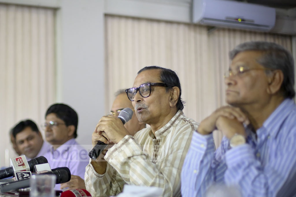 Civil Aviation and Tourism Minister Rashed Khan Menon speaks at a pre-budget discussion on civil aviation and tourism at a hotel in Dhaka's Mohakhali on Wednesday. Photo: asaduzzaman pramanik