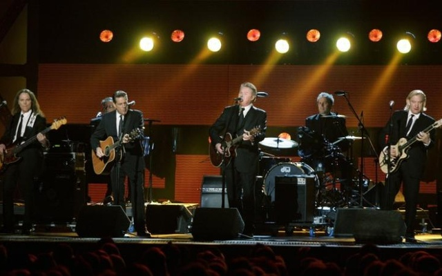 The Eagles perform during the 42nd Country Music Awards in Nashville, Tennessee, November 12 , 2008. Reuters