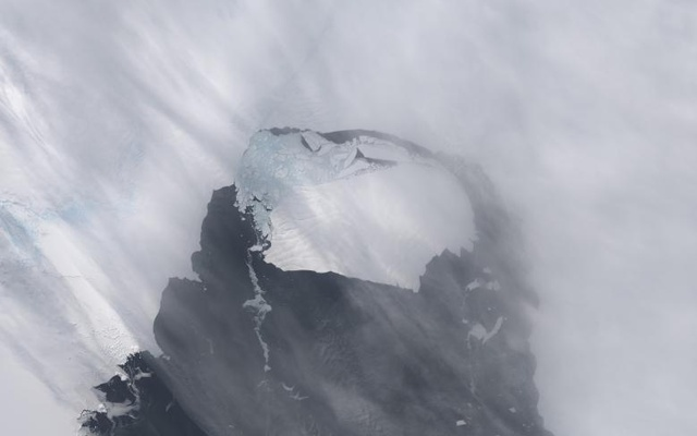 The B-31 Iceberg is seen after separating from a rift in Antarctica's Pine Island Glacier in November 2013. Reuters