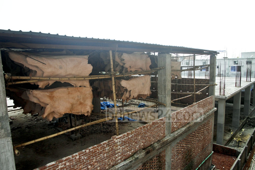 Tanners are processing hide at a factory at the leather industrial city in Savar's Hemayetpur with the construction work still under way. The photo was taken on Saturday. Photo: tanvir ahammed