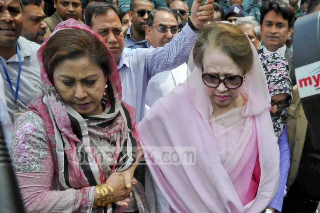 BNP Chairperson Khaleda Zia appears at a special court set up at Old Dhaka in the Zia Orphanage Trust corruption case on Monday.