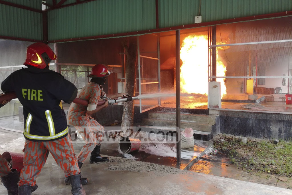 Firefighters attempt to put out a fire at the RAB Training School Oxidisation Plant in Gazipur's Porabari on Tuesday.