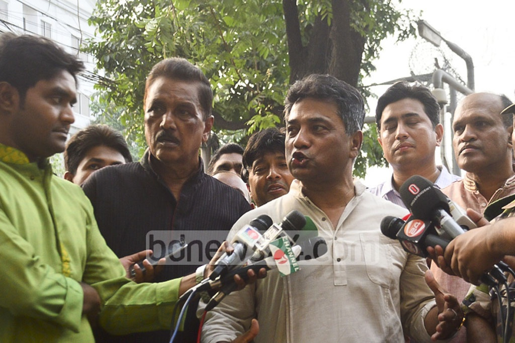 Mayor of Dhaka North City Corporation Anisul Huq spoke to the media after the DNCC workers removed the heavy iron pillars implanted encroaching the pavement around Australian High Commission located at the Gulshan North Avenue in the capital on Friday.