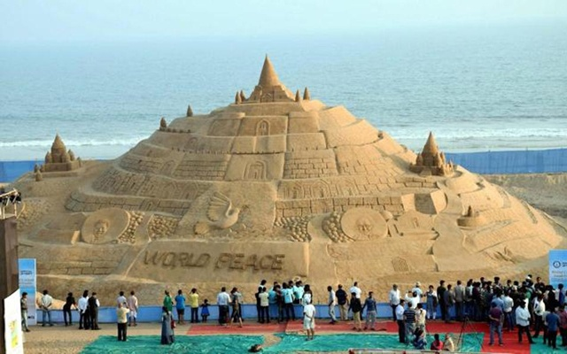 This icon of world peace got Sudarshan Pattnaik into the Guinness Book of Records