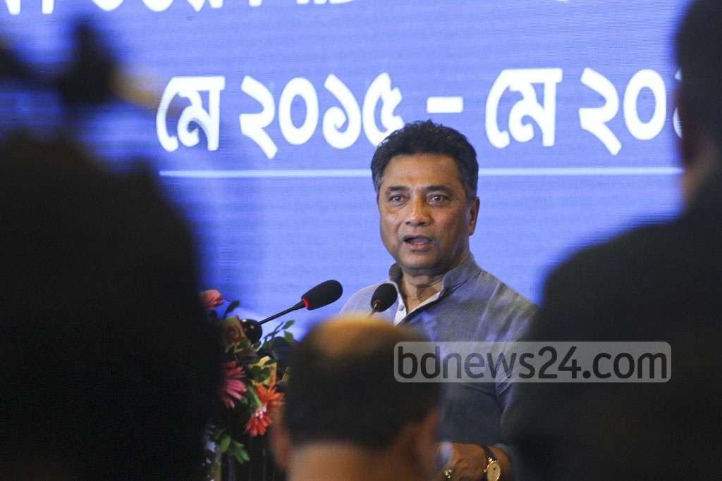 Dhaka North City Corporation Mayor Annisul Huq speaks about his experiences in his first two years on the job, at an event at Pan Pacific Sonargaon Hotel on Monday. Photo: abdul mannan