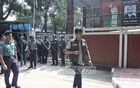 Police cordon off and search the office of BNP Chairperson Khaleda Zia during a raid in Gulshan on Saturday.