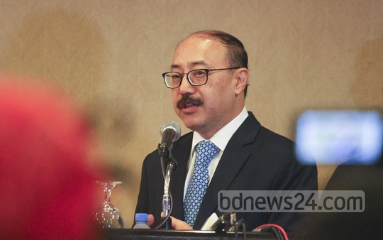 Indian High Commissioner Harsh Vardhan Shringla speaks at the annual meeting of the International Business Forum of Bangladesh at Sonargaon Hotel in Dhaka on Wednesday. Photo: abdul mannan