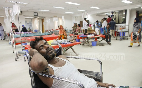 On an average 550 to 600 patients arrive in Dhaka ICDDR,B daily, according to ICDDR, B chief physician and head of hospitals Dr Azharul Islam Khan. He said though March and April are the peak period for the rush of the patients but this year, the month of May became the busiest month for the hospital. Photo: tanvir ahammed