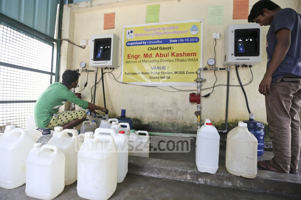 Two machines set up at the WASA's 'Water ATM booth' at Fakirapool in the capital. Photo: asif mahmud ove
