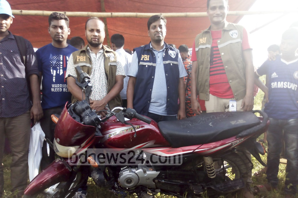 Navy and Fire Service divers recovered this motorcycle of murdered Rangamati Jubo League leader Nurul Islam Nayan in the Maini River in Khagrachhari's Dighinala on Saturday. Police have arrested two persons for their suspected link with the murder and hijack of the motorbike.