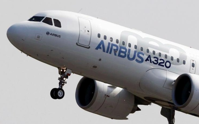 Boeing wins Paris order title as Airbus's Leahy announces retirement