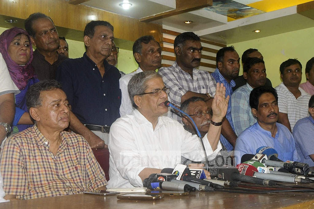 BNP Secretary General Mirza Fakhrul Islam Alamgir briefs reporters at the Chittagong Press Club on Sunday after suffering an attack on his motorcade in Rangunia, on his way to visiting landslide victims in Rangamati.