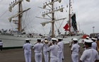 Indian Navy band welcomes Cuauhtémoc to Mumbai Port.