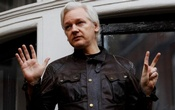 WikiLeaks founder Julian Assange is seen on the balcony of the Ecuadorian Embassy in London, Britain, May 19, 2017. Reuters