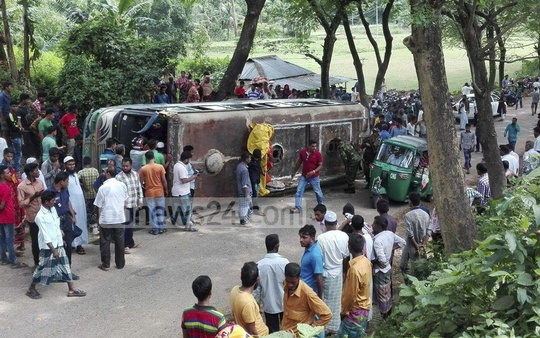 A bus overturned on the Khagrachhari-Chittagong highway in Gumrai led to the death of three.