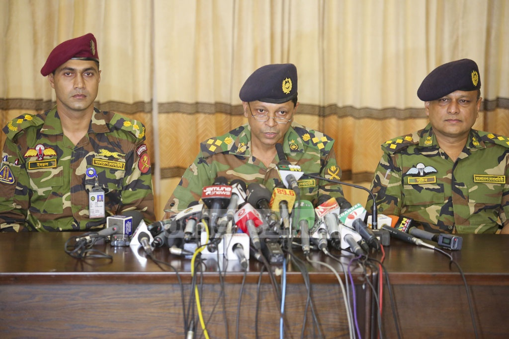 Brig Gen Nayeem Ashfaque Chowdhury, director of military operations at Bangladesh Army, briefed the media, officially confirming the deaths of 20 people.