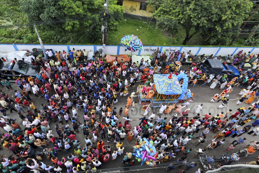 The Rath Yatra festival of the Hindus ended in Bangladesh on Monday through Ulto (reverse) Rath Yatra. The photo was taken in Sylhet. Photo: mostafigur rahman