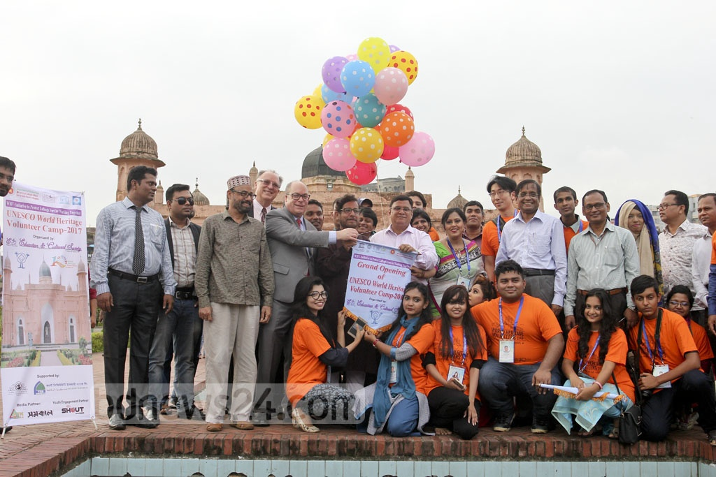 Cultural Affairs Minister Asaduzzaman Noor inaugurates UNESCO World Heritage Volunteer Camp 2017 at the Lalbagh Fort on Monday.