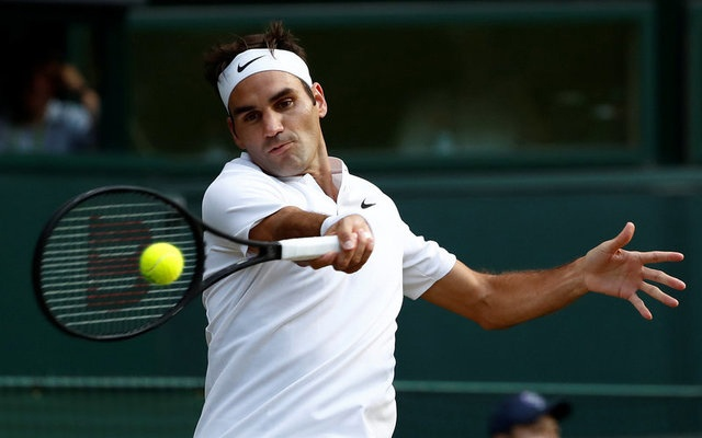 Tennis - Wimbledon - London, Britain - July 10, 2017 Switzerland's Roger Federer in action during his fourth round match against Bulgaria's Grigor Dimitrov REUTERS/Stefan Wermuth