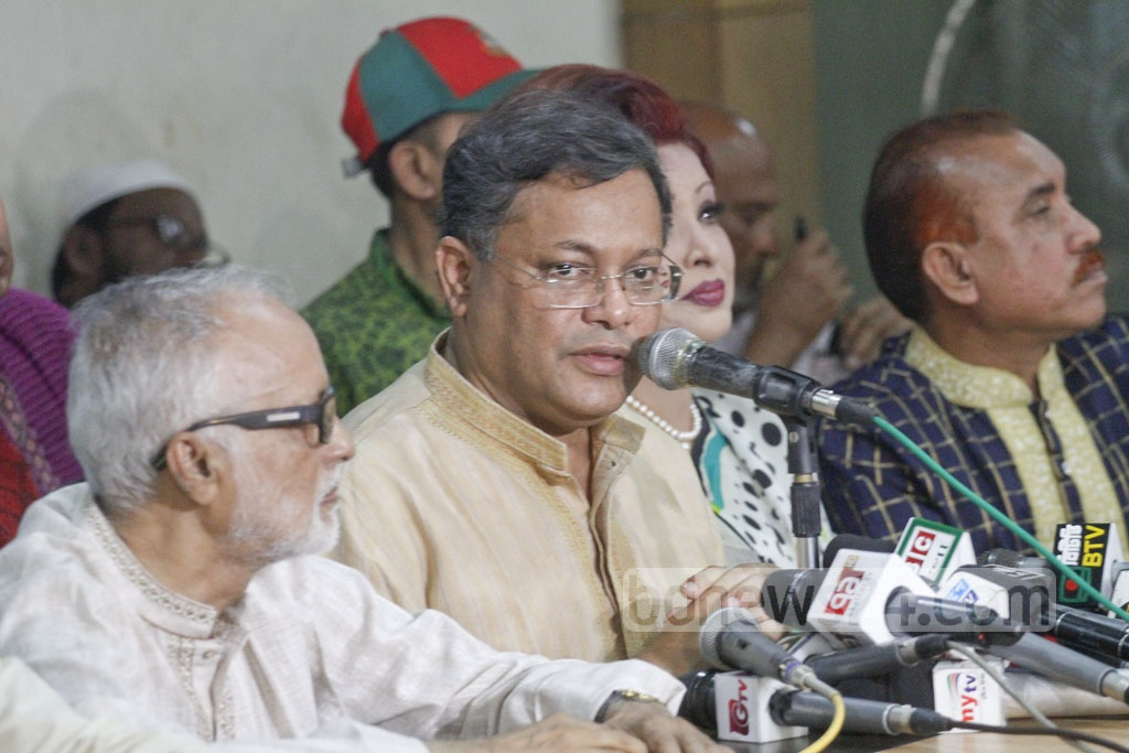 Awami League's Publicity Secretary Hasan Mahmud in a meeting organised by National Democratic League at Dhaka Reporters Unity auditorium on Friday. Photo: abdul mannan