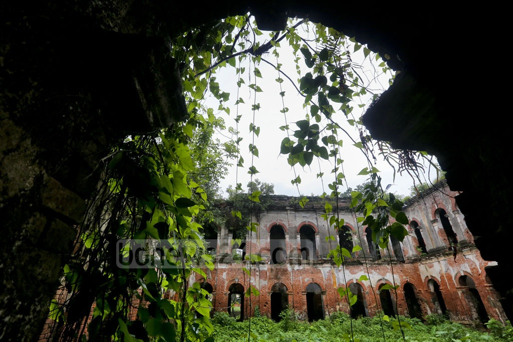 The palace of Raja Tonkonath is located on the bank of Kulik River, one kilometre east of Ranishankail Upazila town. The palace has turned into a 'haunted house' from years of neglect to save it from ruins. Photo: asaduzzaman pramanik